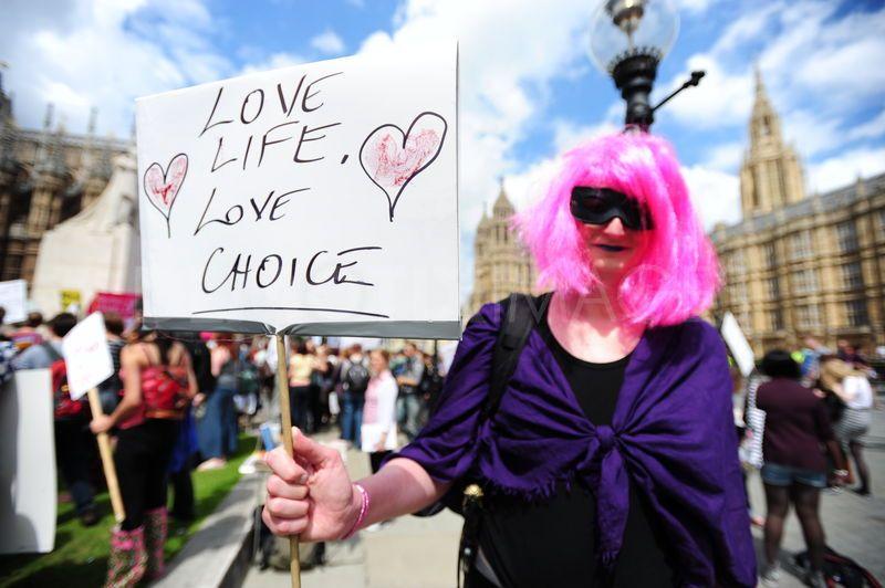 prochoice-abortion-protest--london_749654